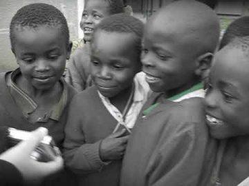 Viviana Rasulo - Gruppo di bambini africani